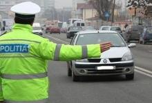 17 amenzi în Argeş pentru folosirea telefonului la volan