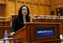 Simona Bucura Oprescu, interpelare pe tema de invaziei șacalilor în Argeș